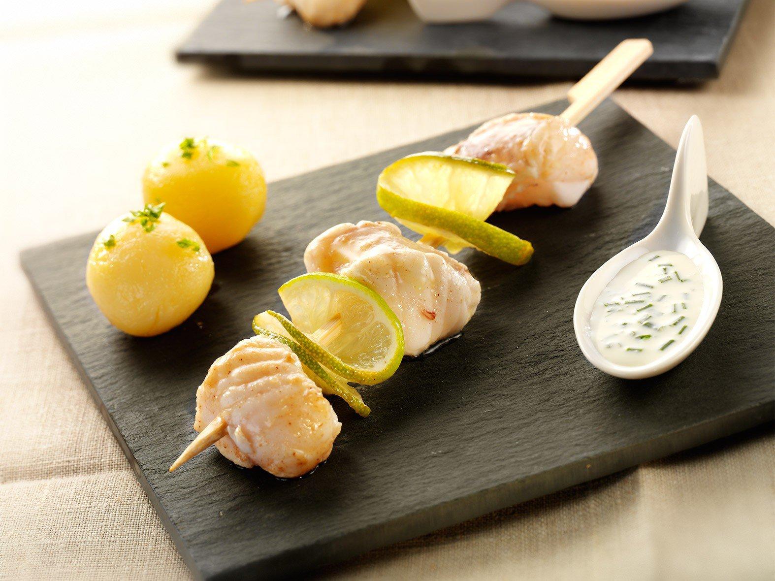 Brochette van zeeduivel met limoen