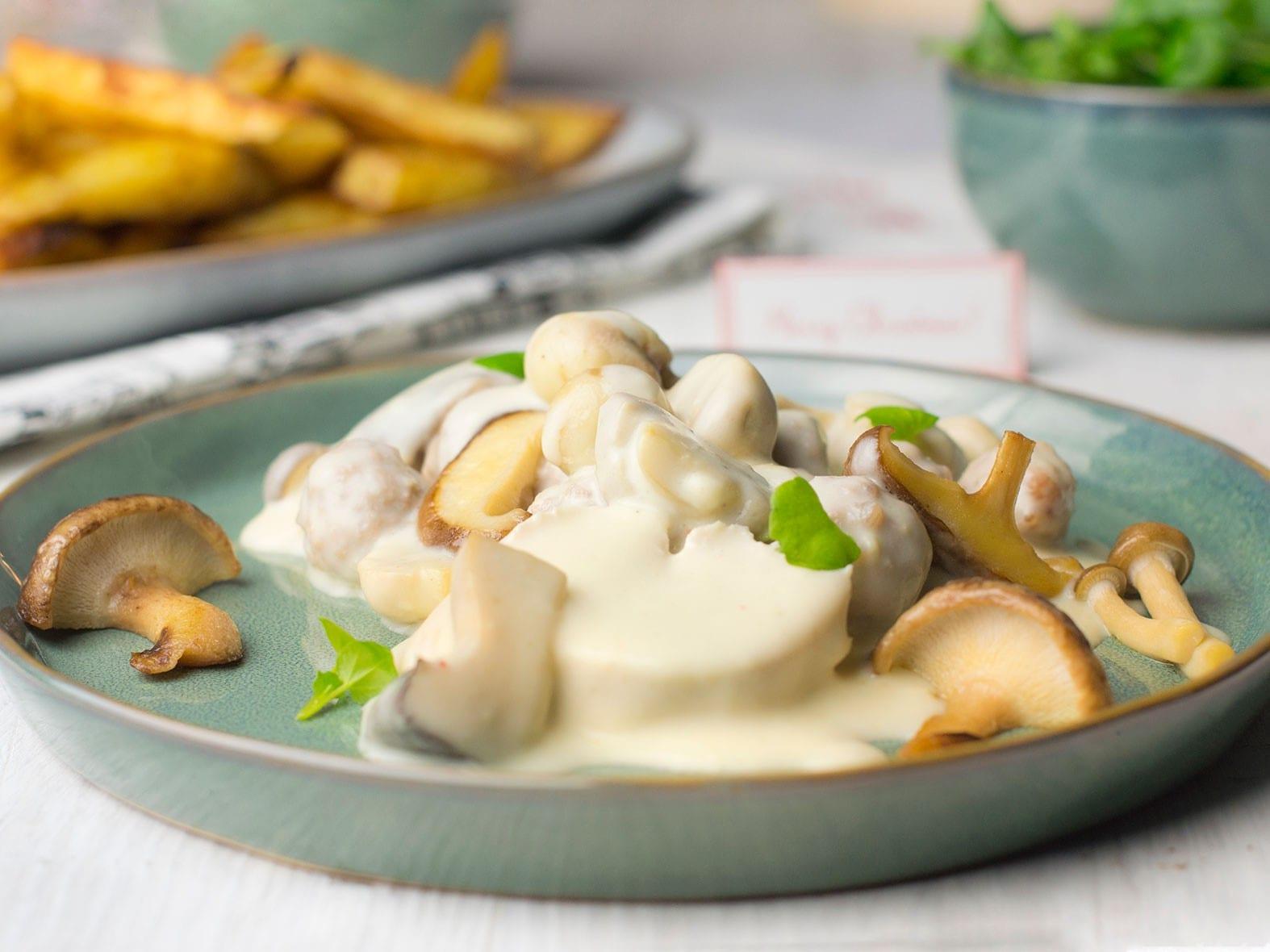 Vol-au-vent met salade en ovenfrieten