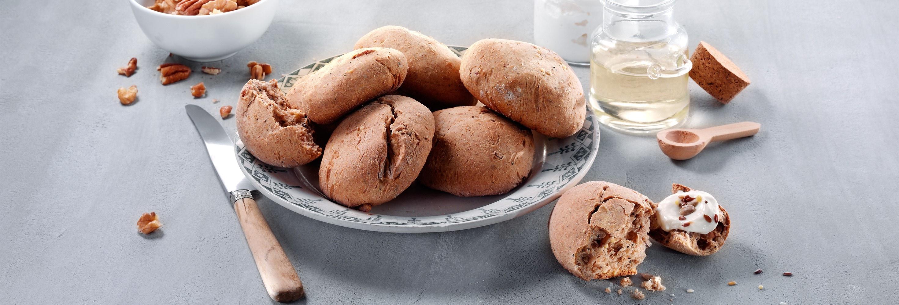 Broodjes met zaden en plattekaas