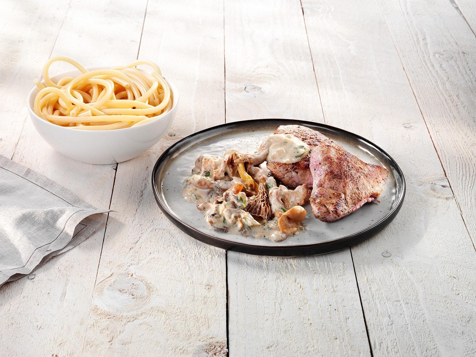 Kalfsvlees met boschampignons in roomsaus