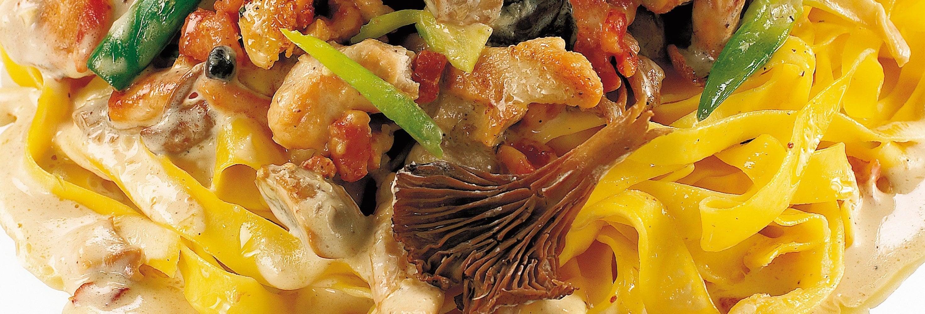 Tagliatelli met kip en boschampignons